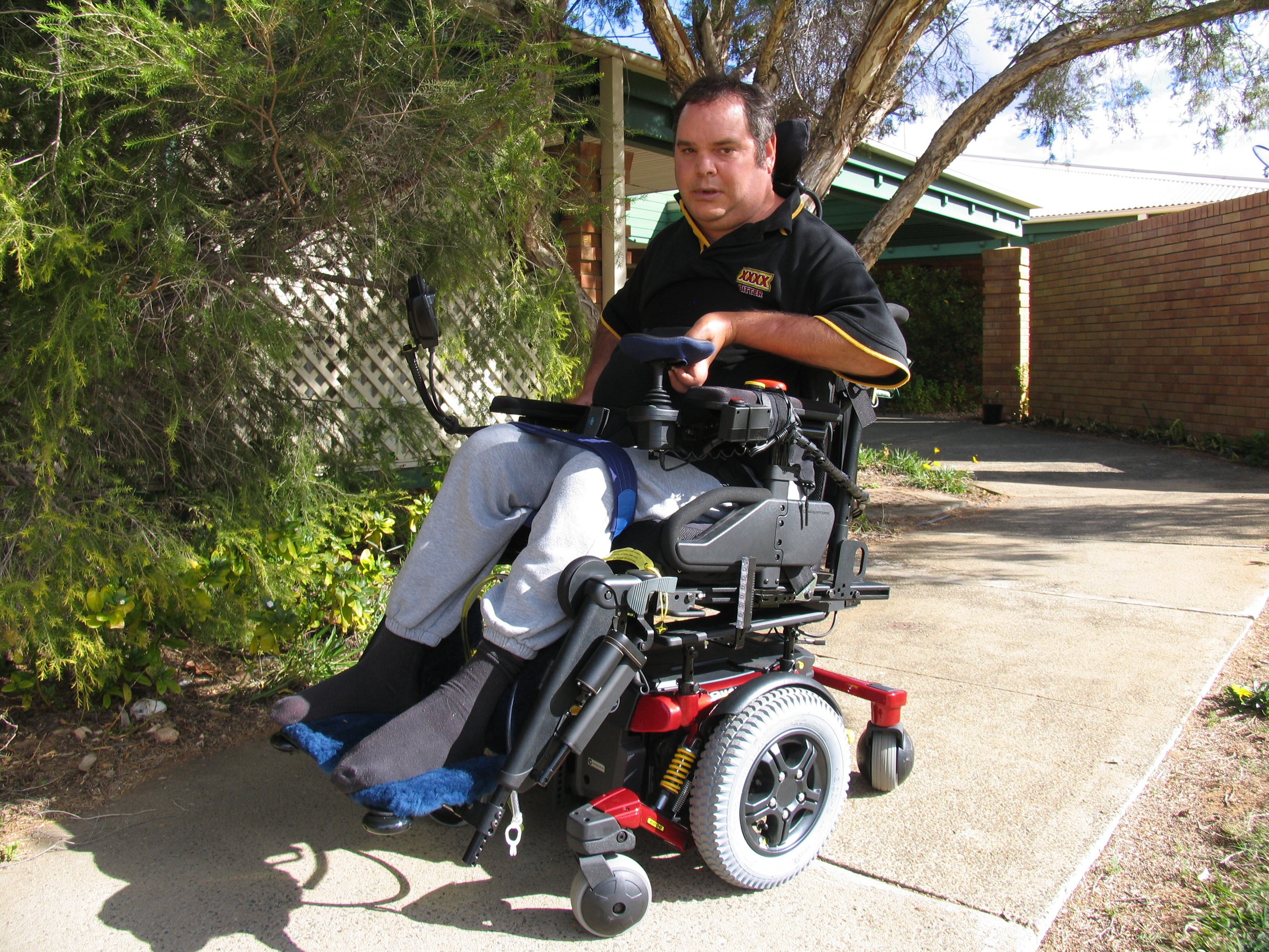 bill-dodd-wheelchair-donation-by-club-cares-3166x2375